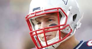 USATSI_8884050_168383805_lowres Report: Patriots Were Making Calls About Possible Rob Gronkowski Trade 3 Days Before Draft