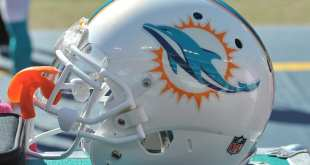 Dolphins-Helmet-4 NFL Notes: Dolphins, Eagles, Packers, Seahawks