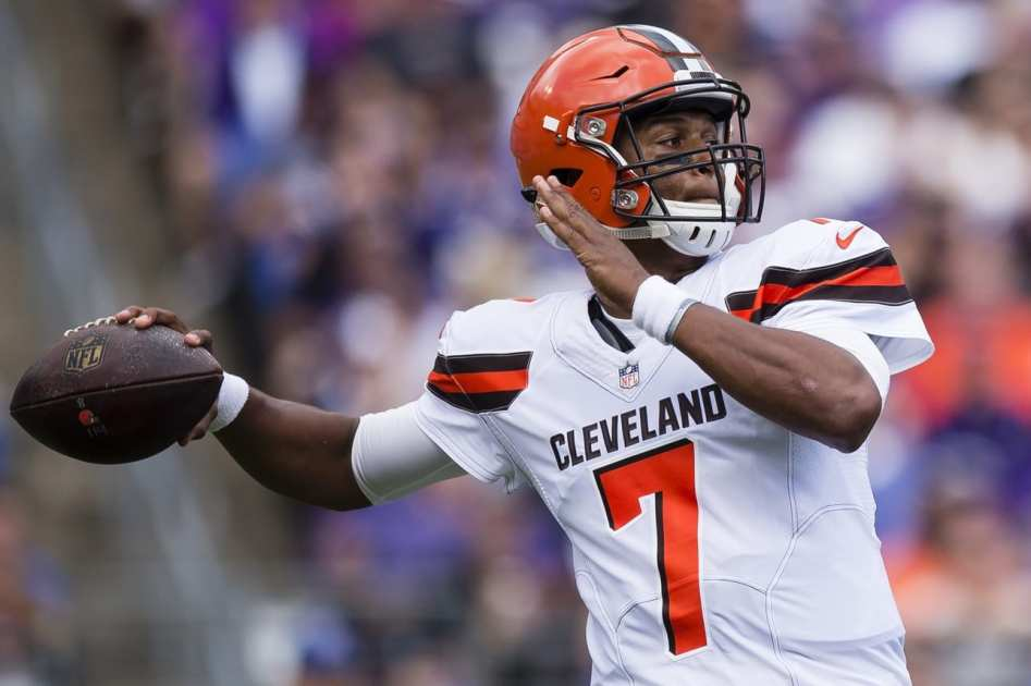Packers Trading For Browns QB DeShone Kizer ...