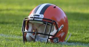 Browns-Helmet-4-e1513973830162 NFL Notes: Browns, Jets, Patriots, Raiders