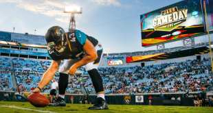 USATSI_10233784_168383805_lowres Jaguars Place LS Matt Overton On Injured Reserve, Sign LS Colin Holba