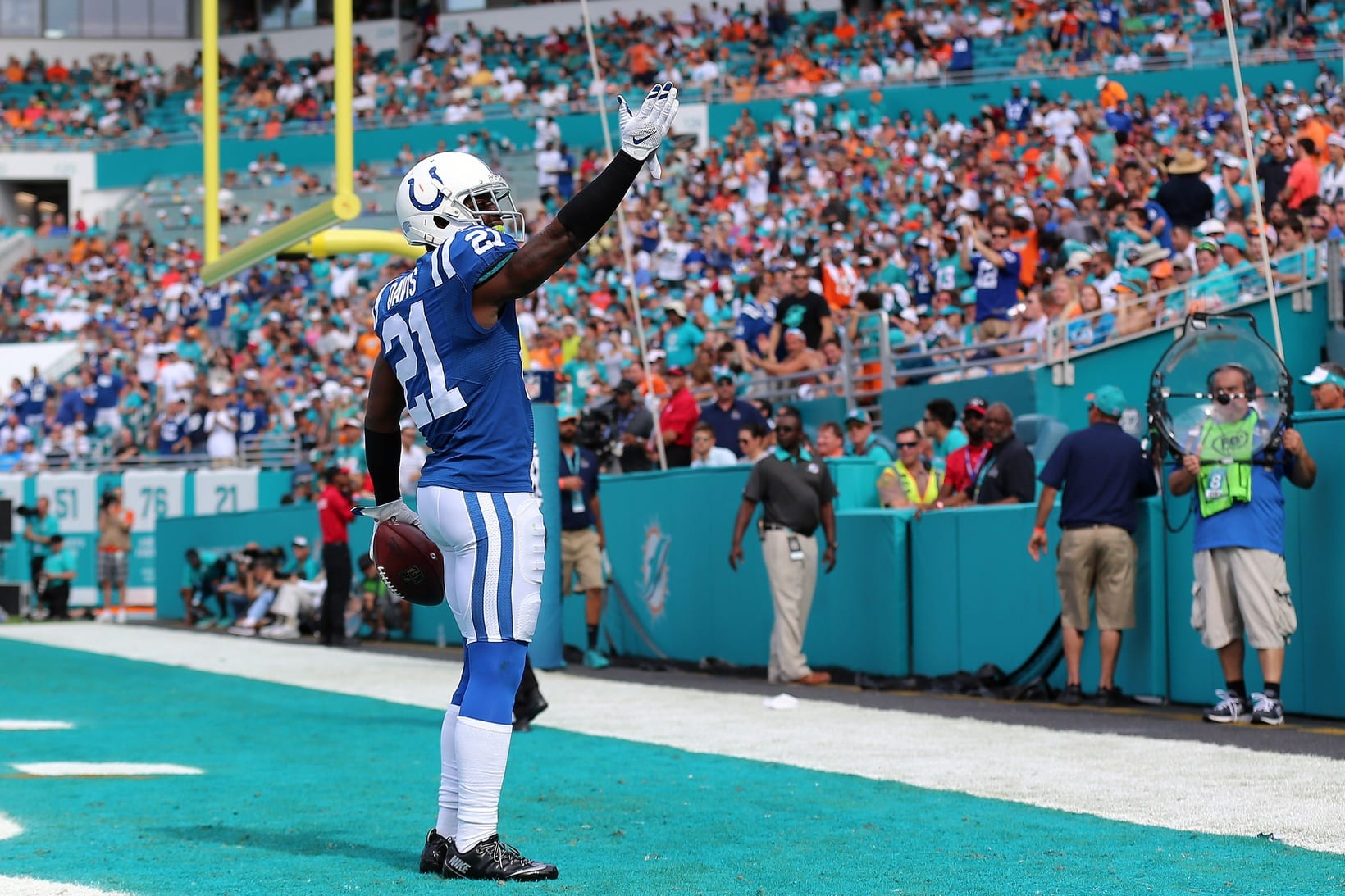 The Latest Vontae Davis News