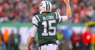 "USATSI_10457637_168383805_lowres Jets Interested In Re-Signing QB Josh McCown, But ""Far From Done Deal"""