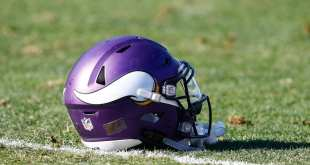 USATSI_10471338_168383805_lowres-e1513973867908 Vikings Sign OL Dieugot Joseph To Futures Deal