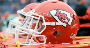USATSI_10508993_168383805_lowres Chiefs Sign 10 Players To Futures Deals