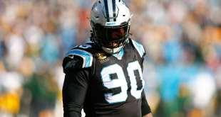 USATSI_10483609_168383805_lowres Panthers DE Julius Peppers Leaning Toward Returning For 2018 Season?