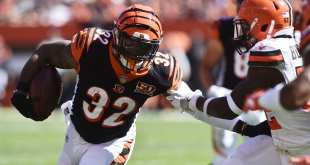 USATSI_10321161_168383805_lowres Patriots Sign RB Jeremy Hill To One-Year, $1.5M Deal
