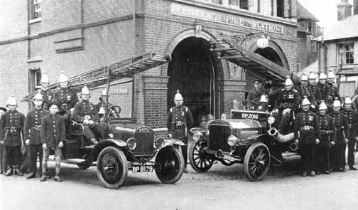 0632 The Borough Fire Brigade, c1908 outside the fire station on the East side of High Street. The site is now the Crown Offices.