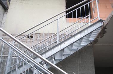 Stahltreppe gegenläufig