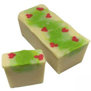 Creative diy Christmas Gifts: Mistletoe Cold Process Soap Recipe