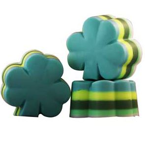 Crafts for St. Patrick's Day:4 Leaf Clover Layered Soap Recipe