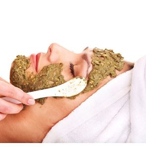 10 Ways to Use Chamomile: Soothing Facial Mask Recipe