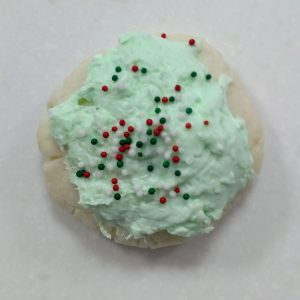 Christmas Bath Cookies Recipe:  Frosting the Bath Cookies