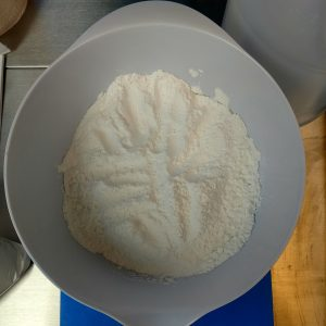 Giraffe Bubble Bar Recipe: Weighing and Combining the Dry Ingredients