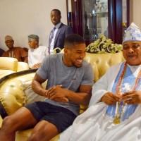 Anthony Joshua meets the Akarigbo of Remo kingdom Oba Babatunde Adewale Ajayi at his Palace