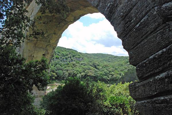 Visting the Pont du Gard, Southern France (2/6)
