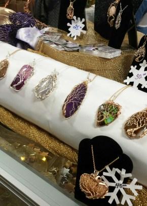Lee Bezanson Jewellry handcrafts beautiful tree of life jewellery. Alls shapes and sizes on semi precious stones!