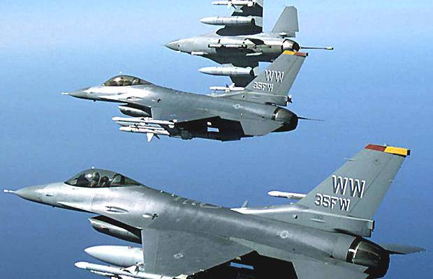 us_f16_fighting_falcons_warplanes