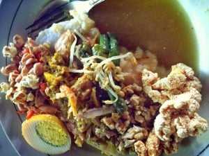 Tipat Kuah Bali; photo taken by Metha