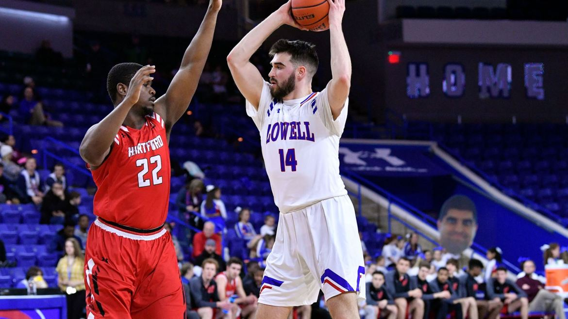 River Hawks Overcome 17 Lead Changes to Defeat Maine, 70-61