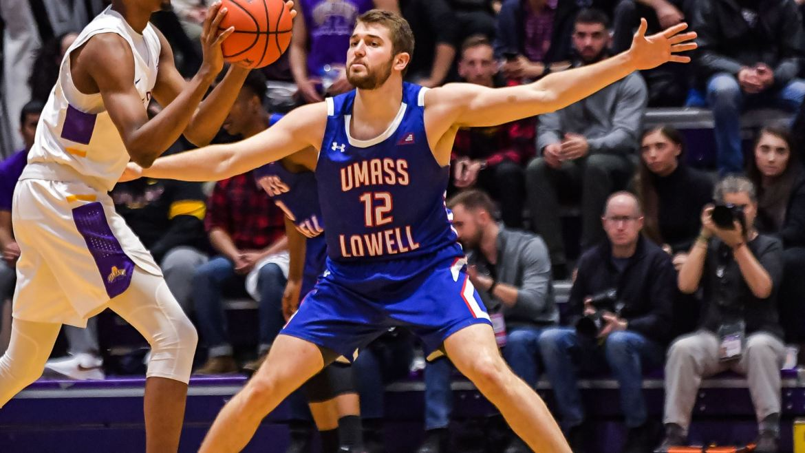 River Hawks Take It Down to Wire, But Fall at Binghamton, 86-84