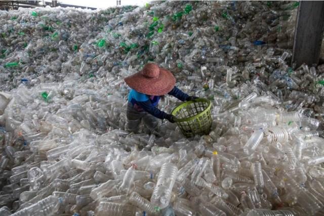 ขยะพลาสติก, โรงงานรีไซเคิล, มะนิลา, ฟิลิปปินส์