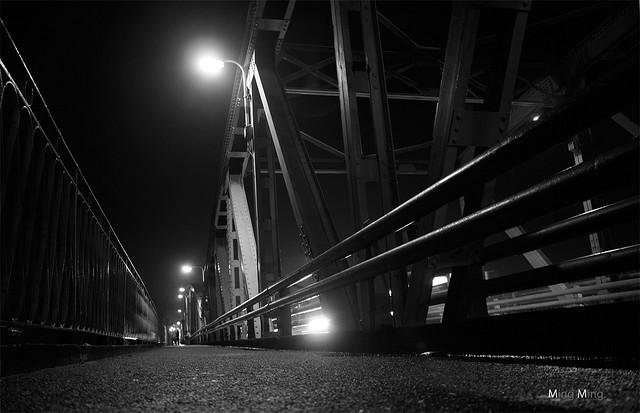 Trang  Tien Bridge at night