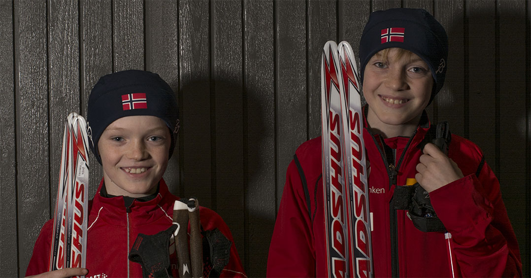 KJEKK SPORT: Aleksander og Kristian Øyen driver begge med langrenn i Fana IL.