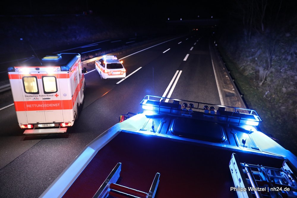A5: Transporterfahrer bei Unfall schwer verletzt