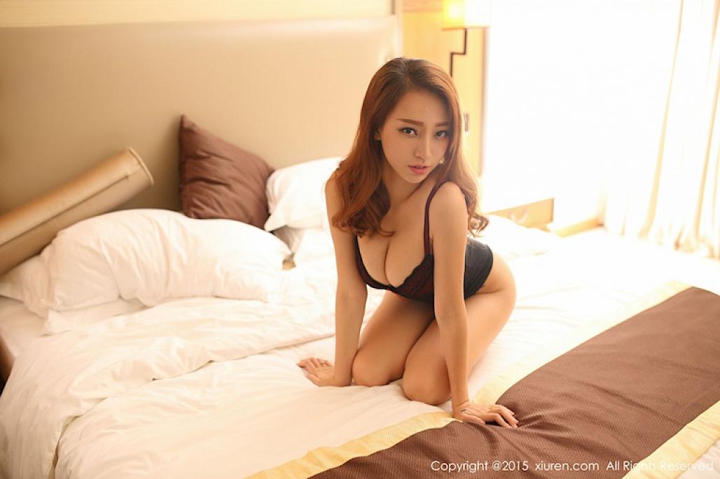 no-dom-dom-mat-vi-nang-hot-girl-lily-khoe-nguc-khung (3)