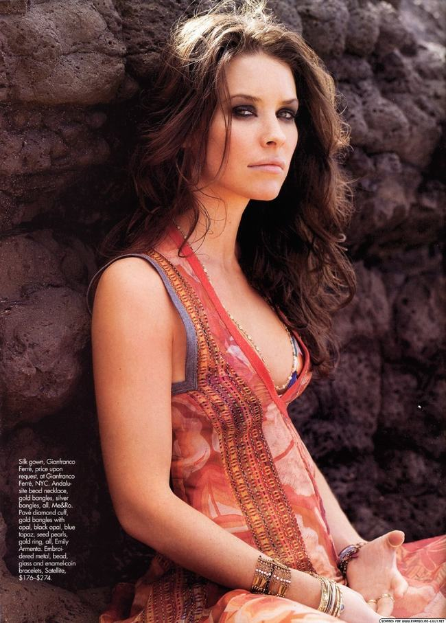 Canada Evangeline Lilly -gay-me-man-voi-nhung-hinh-anh-sieu-sexy