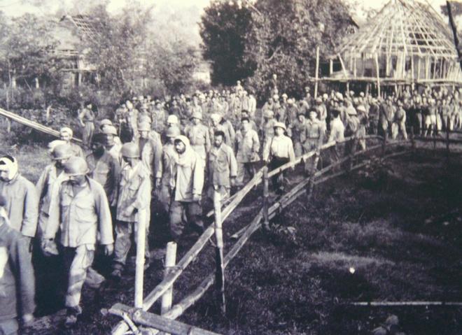 Toàn bộ 16.000 lính Pháp ở tập đoàn cứ điểm Điện Biên Phủ bị tiêu diệt hoặc bắt sau khi kết thúc chiến dịch.