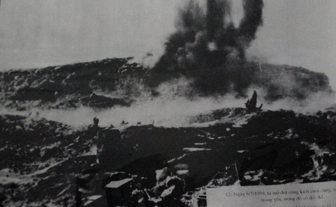 Thừa thắng xông lên, quân đội Việt Nam mở đợt tấn công lần 3, từ ngày 1/5 đến 7/5, Việt Minh đánh chiếm các cứ điểm còn lại. Riêng đồi A1, cứ điểm được xây dựng kiên cố nhất đã tiến hành tới 4 đợt tiến công nhưng chỉ chiếm được nửa quả đồi. Đêm 6/5, quân đội Việt Nam phải dùng thuốc nổ bí mật phá sập hệ thống hầm ngầm, chiếm được quả đồi.