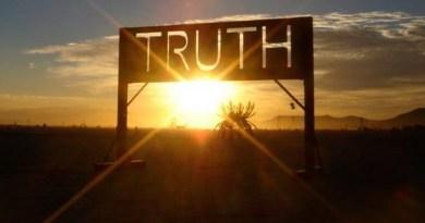 Bài xã luận phản động, xuyên tạc sự thật