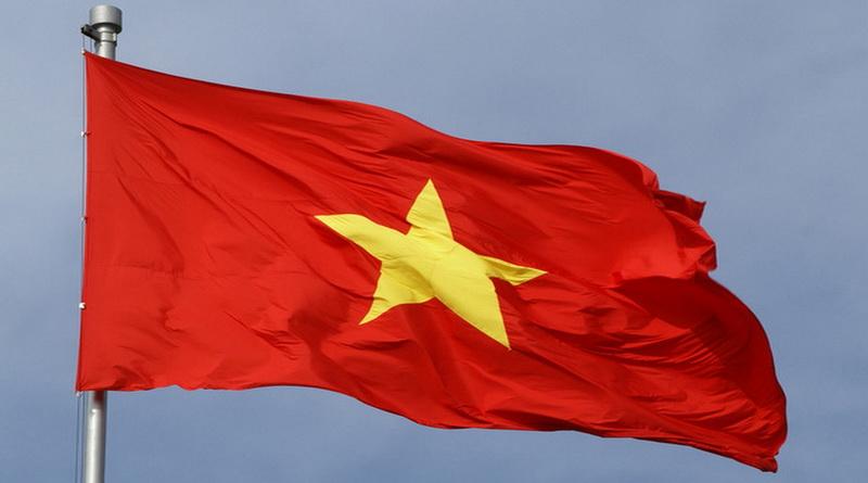 Lá cờ đỏ sao vàng là quốc kỳ của Tổ quốc Việt Nam