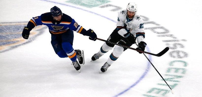 Vitória polêmica no overtime de Sharks contra Blues