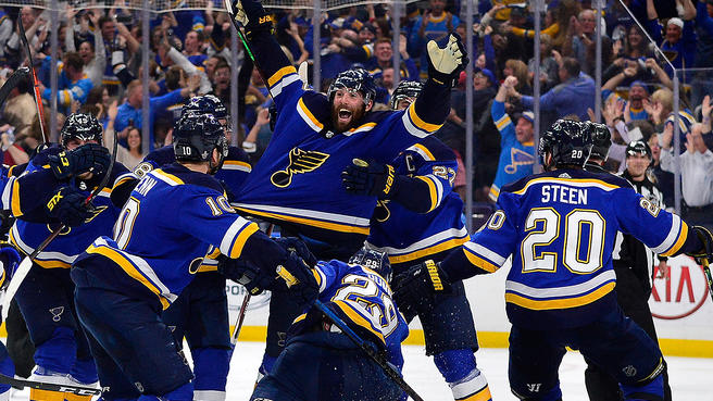 St. Louis Blues na conferencia final da Stanley Cup em frente a torcida