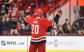 Perfil do jogador Sebastian Aho, do Carolina Hurricanes