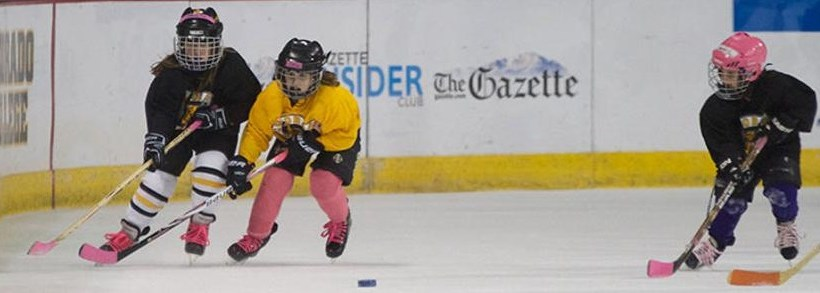 New York Rangers promove o hockey feminino juvenil