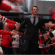 Jonathan Toews no tapete vermelho do Chicago Blackhawks