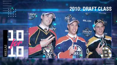 Erik Gudbranson, Taylor Hall e Tyler Seguin após terem sido escolhidos no NHL Draft de 2010