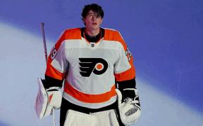 Goleiro Carter Hart faz grande atuação com os Flyers nos playoffs