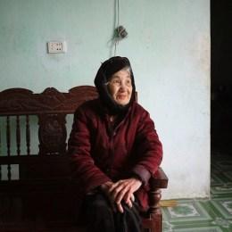 Bà Lưu Thị Mỹ, sinh 1934, mẹ liệt sỹ Hồ Văn Nuôi.