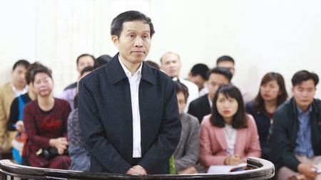 Anh Ba Sàm - Nguyễn Hữu Vinh trước tòa - Ảnh: Minh Quang (vietnamnet.vn)