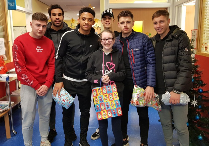 MAIN Dundee FC bring festive cheer to Ninewells - Lucianne Frost.jpg
