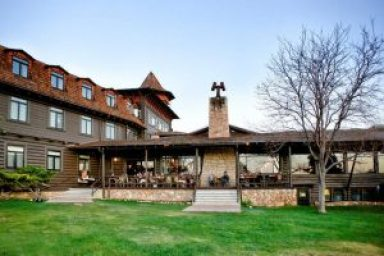 The 358-room Yavapai Lodge, operated by Delaware North, overlooking the Grand Canyon, may serve as a model for the proposed Niagara Lodge.