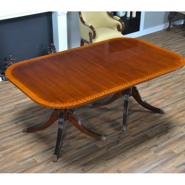 Hepplewhite Dining Table Niagara Furniture Mahogany