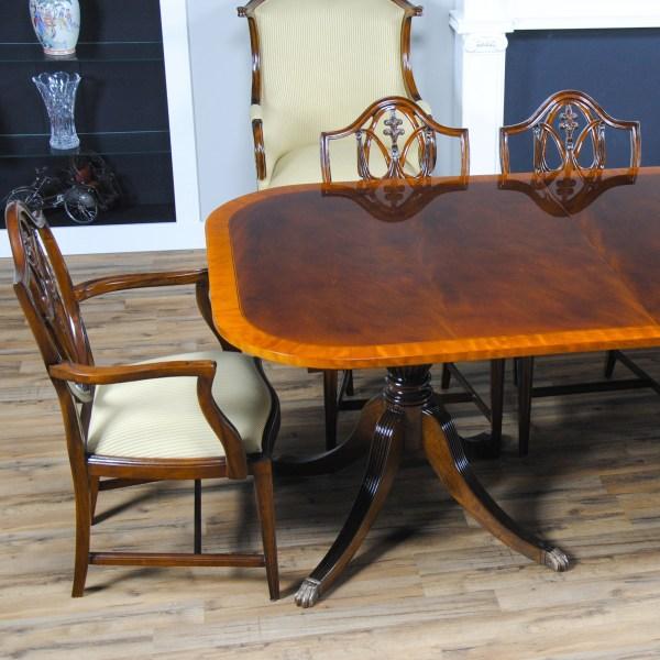 Large Hepplewhite Dining Table Niagara Furniture