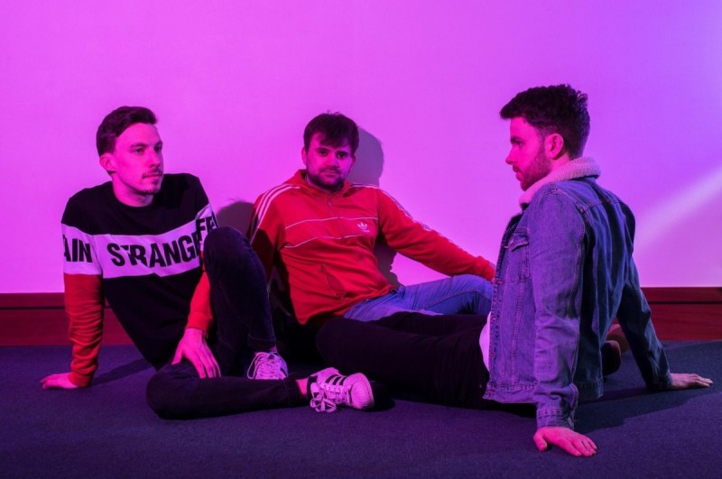 , Premiere: Tanjier up their pace in new single 'Miles'