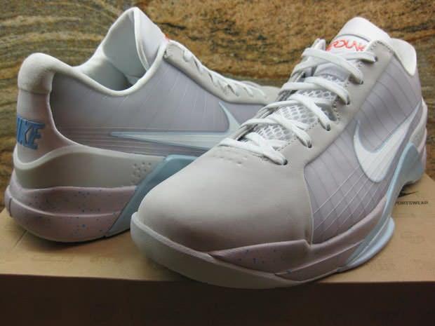 4c5f917b8dc1 ... Nike Hyperdunk Low